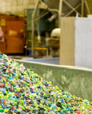 sostenibilidad en lso materiales de palets, bolsas o plásticos